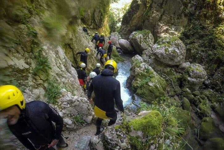 11Group walking and canyoning Nevidio