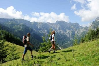 Walking to Kosanica
